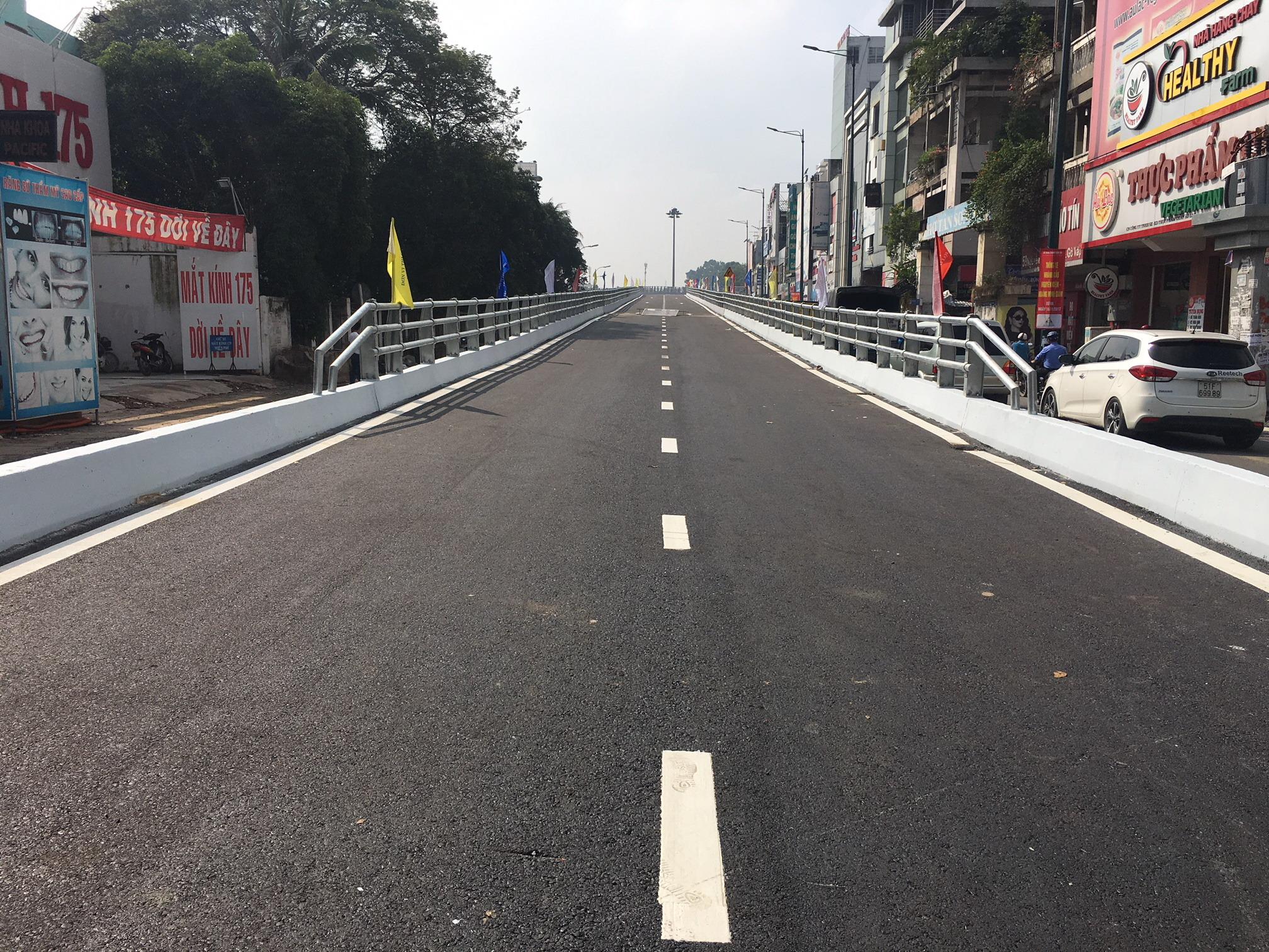 Thông xe nhánh cầu Nguyễn Kiệm - Hoàng Minh Giám